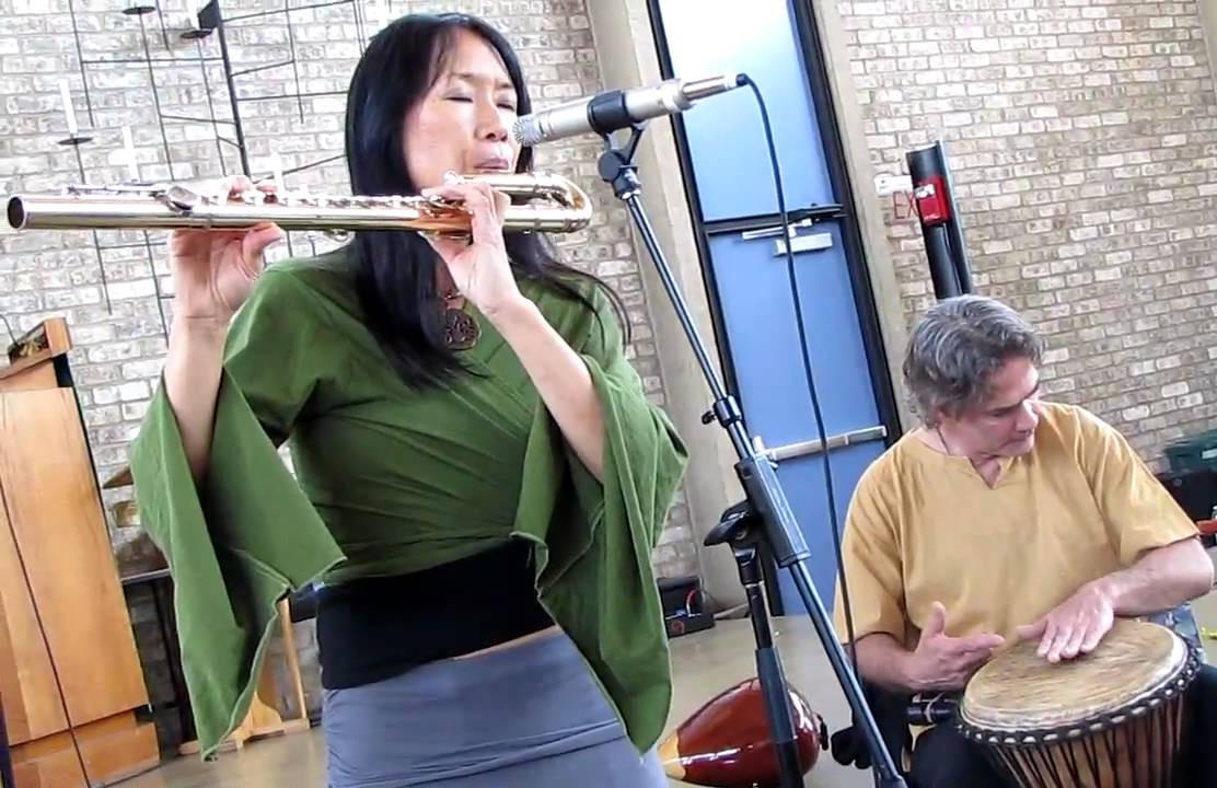 [suzanne_teng_gilbert_levy_world_flute_demonstration-alto_flute_1_of_8]