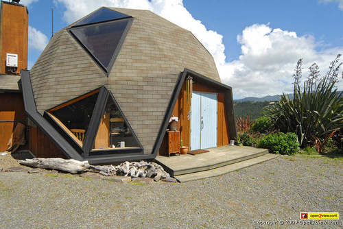 [geodesic-dome-home]
